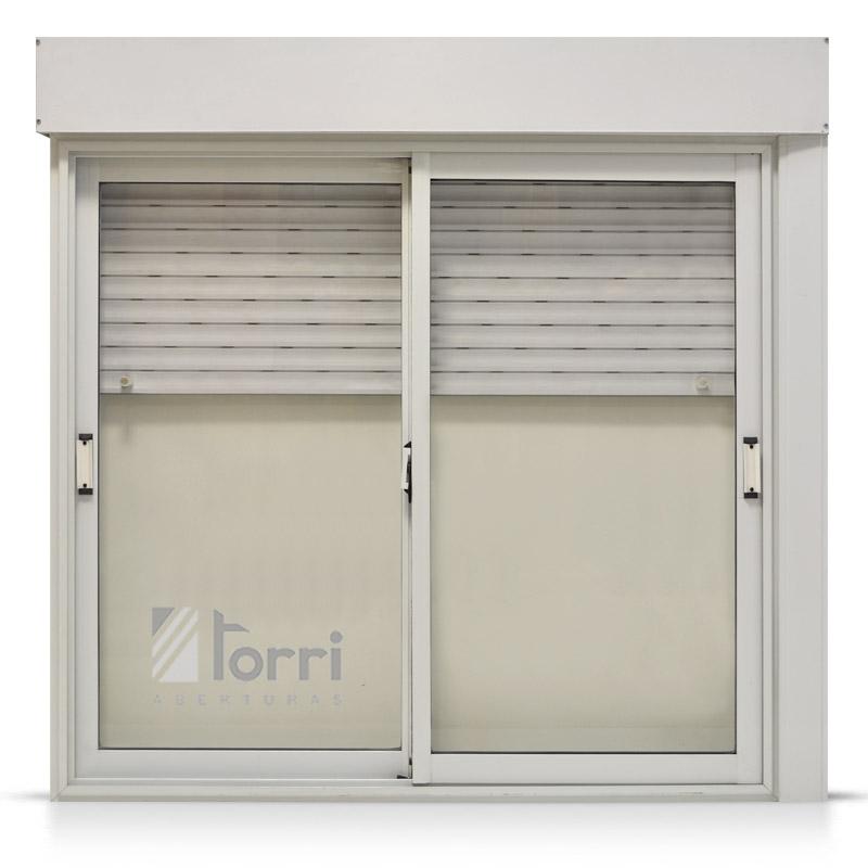 Ventana varesenova oblak blanca con cortina y taparrollo for Ventanas de aluminio con cortina